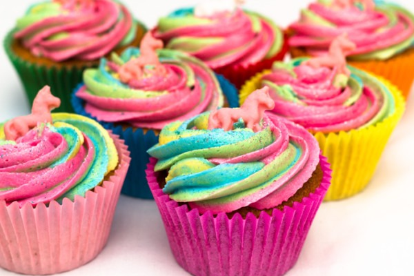 Easy Rainbow Unicorn Cupcakes