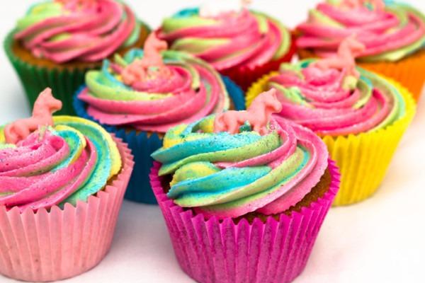 Easy Rainbow Unicorn Cupcakes