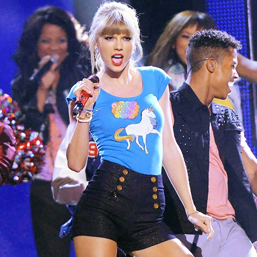 Style Hunter  Taylor Swift's 'haters Gonna Hate' Unicorn T