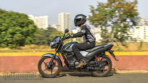 Comparo  Hero Achiever 150 Vs Bajaj V15 Vs Honda Cb Unicorn
