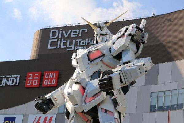 "The Unicorn Gundam Statue"" & ""the Gundam Base Tokyo"" Finally"