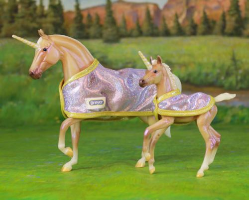 Breyer Holiday Limited Edition Glitter And Gem Unicorn Mare & Foal