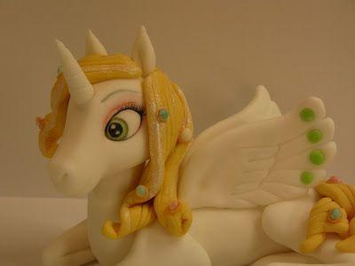 Figurice Za Torte (fondant Design Ana)  Mia And Me, Onchao Unicorn