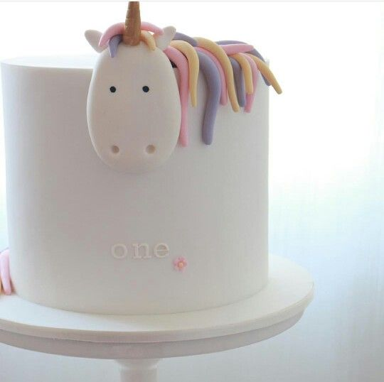 Love This Simple Unicorn Cake!