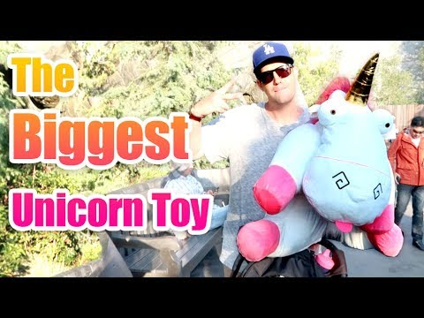 First Visit To Universal Studios And The Biggest Unicorn Toy