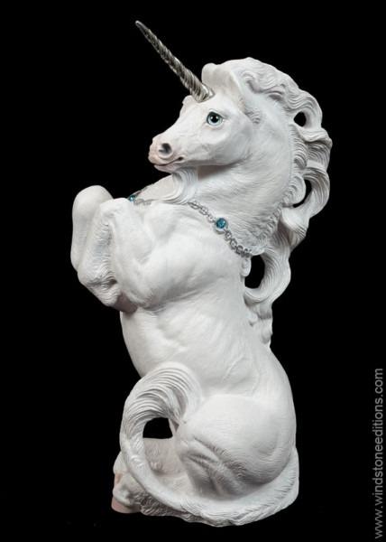 Male Unicorn – Snow White – Windstone Editions
