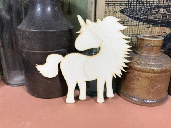Dashing Unicorn Shape Ply 20cm