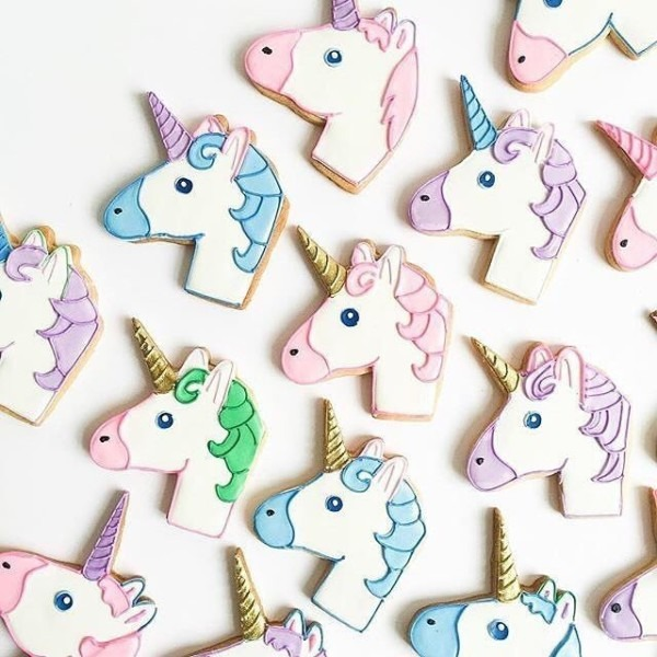 If These Emoji Unicorn Cookies Don't Make Your Morning, We Don't