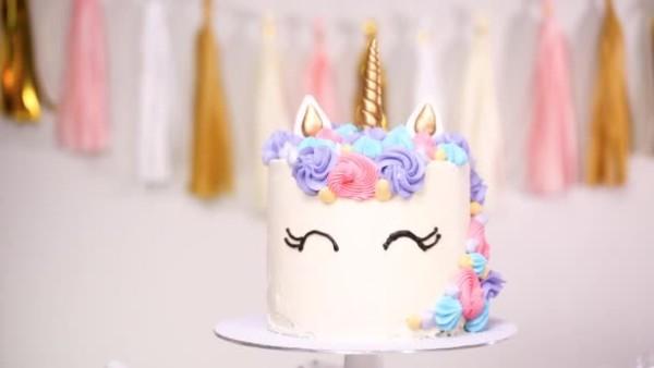 Unicorn Cake Decorated Multicolor Buttercream Icing — Stock Video