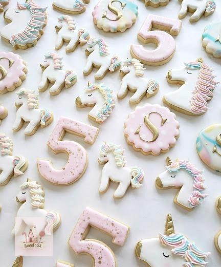 Video) How To Decorate Simple Unicorn Cookies