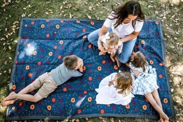 Little Unicorn Outdoor Blanket