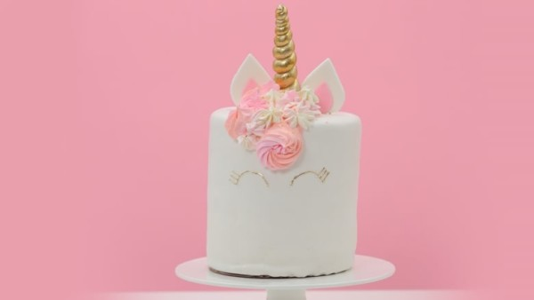 Turn Your Next Cake Into A Special Little Unicorn