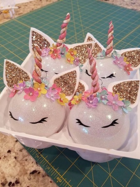 Cute Christmas Unicorn Decoration Ideas For Xmas Tables