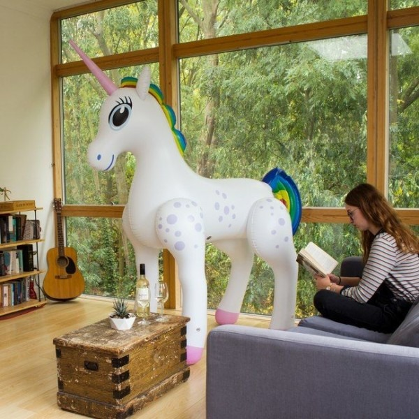 Novelty Inflatable Unicorns   Giant Inflatable Unicorn