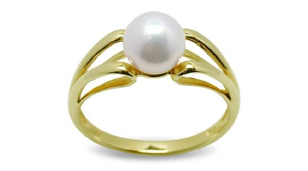 Unicorn A Japanese Akoya Cultured Pearl Ring