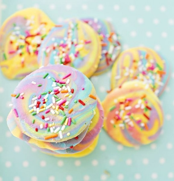 Unicorn Poop Frozen Yogurt Bark Cookies