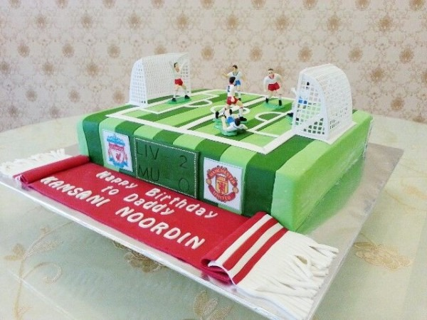 Liverpool Vs Manchester United Cake