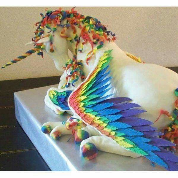 Creative Pegasus Unicorn Cake