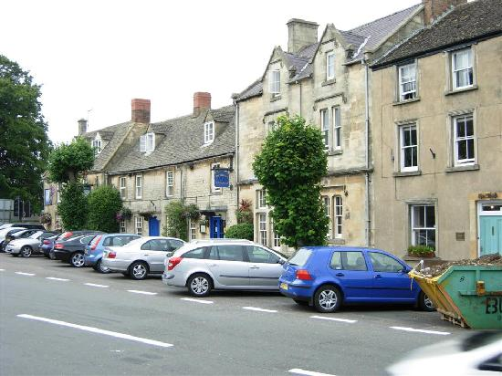 The Unicorn Hotel Showing The Parking Out Front