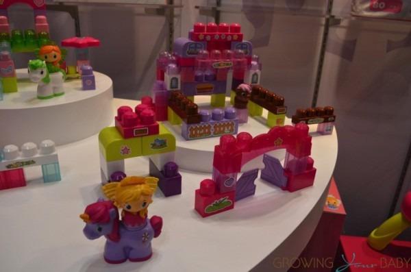 Mega Bloks Unicorn Stable