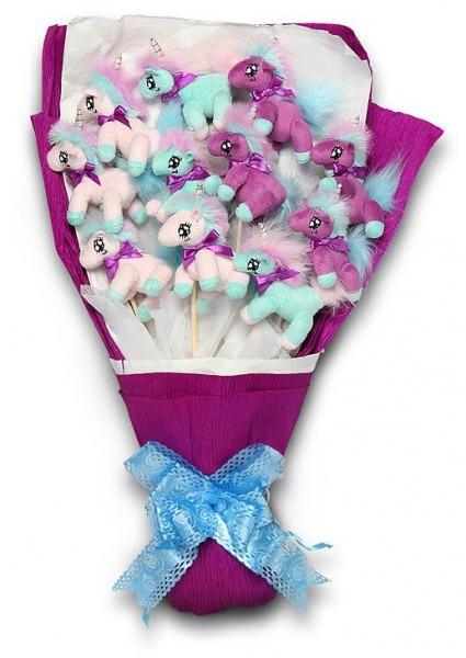 Thinkgeek    Plush Unicorn Bouquet