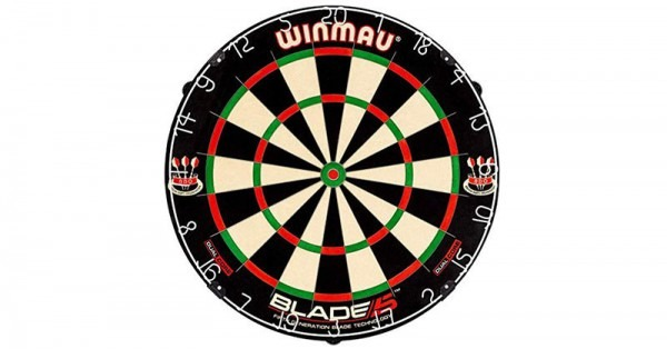 The Ultimate Bristle Dartboard  Winmau Blade 5 Review