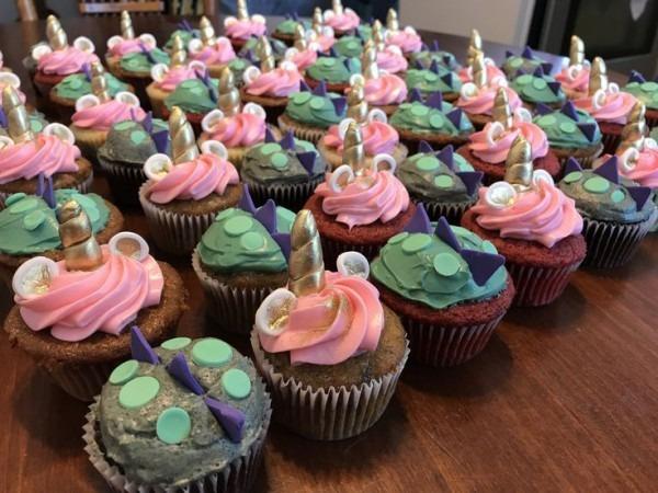 Unicorn And Dragon Cupcakes  Kidsbirthdayparty
