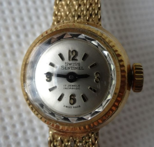 Vintage Swiss Sentinel Ladies Cocktail Watch, 17 Jewels Wind