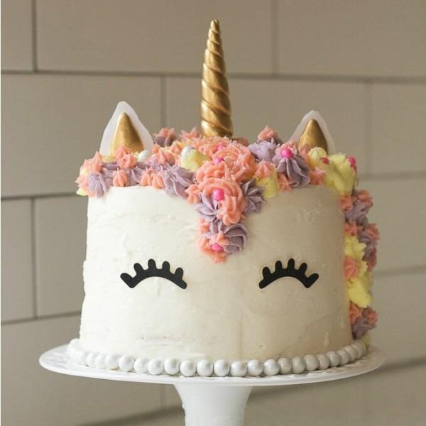 Unicorn Rainbow Cake